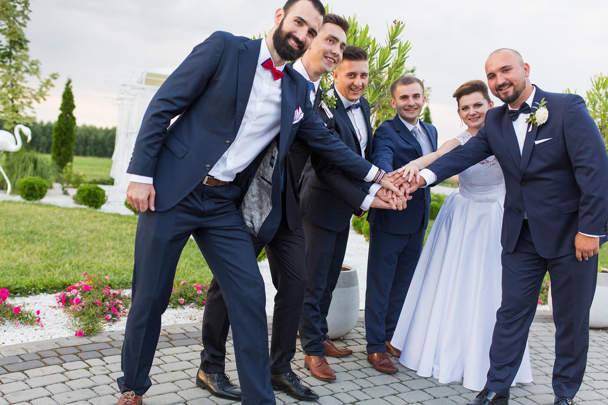 Reportaże ślubne, sesje ślubne plenerowe na terenie całej Polski i zagranicą. Fotografia ślubna Kraków i okolice. Zdjęcia na ślubie i weselu.