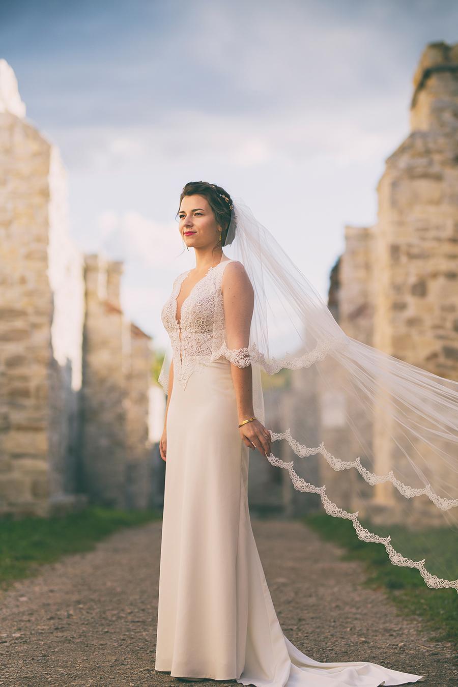 Para Młoda wybrała na miejsce swojej sesji zdjęciowej ślubnej Zamek Tenczyn. Bardzo długo wyczekiwana sesja ślubna.